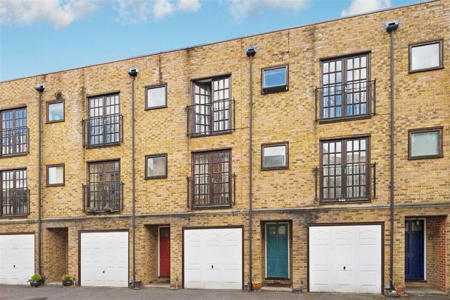 Thumbnail Flat for sale in Harford Mews, London
