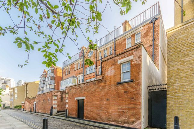 Thumbnail Flat for sale in Cold Harbour, Docklands, London