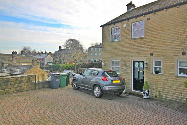 Thumbnail Town house to rent in Marsh Lane, Shepley, Huddersfield