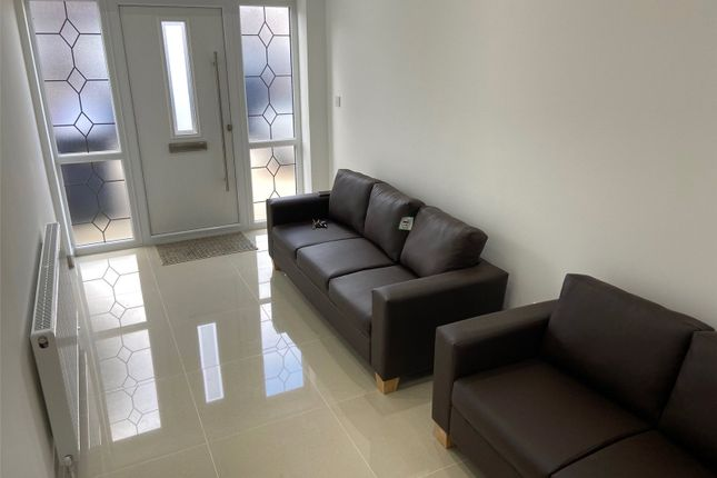 Thumbnail End terrace house to rent in Park Avenue, Southall, Greater London