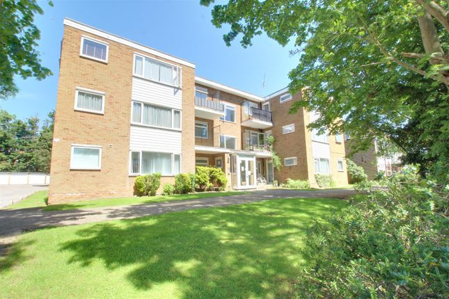 1 bed flat for sale in Chaseville Park Road, London N21