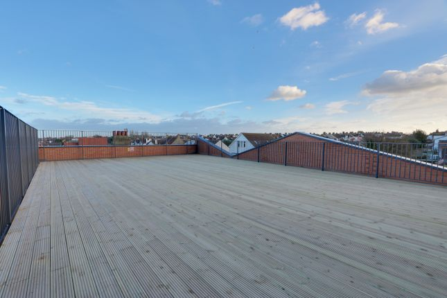 Thumbnail Flat for sale in London Road, Leigh-On-Sea, Essex