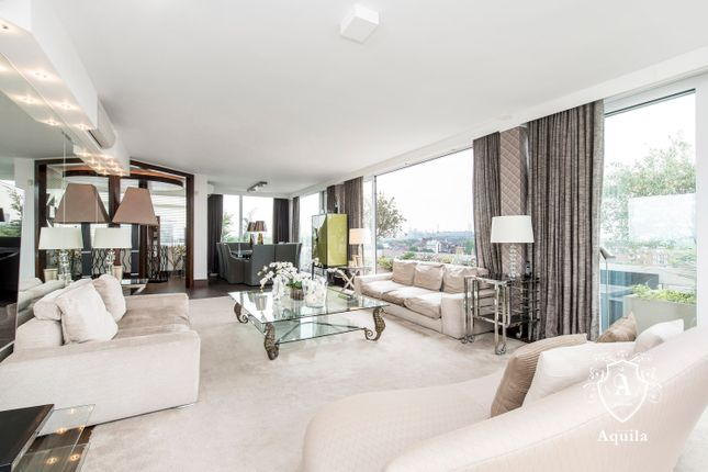 Thumbnail Duplex to rent in Chelsea Manor Gardens, London