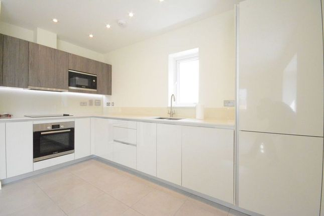Thumbnail Flat to rent in Sorrel Drive, Warfield, Bracknell