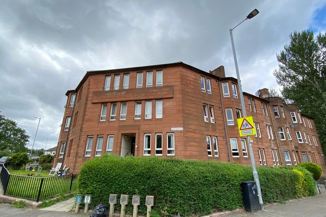 2 bed flat to rent in Westwood Road, Glasgow G43