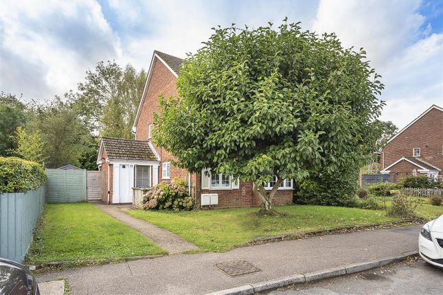 2 bed flat for sale in Overstone Road, Harpenden AL5