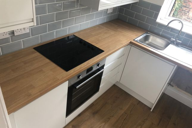 Thumbnail Terraced house to rent in Lloyd Street, Stockport