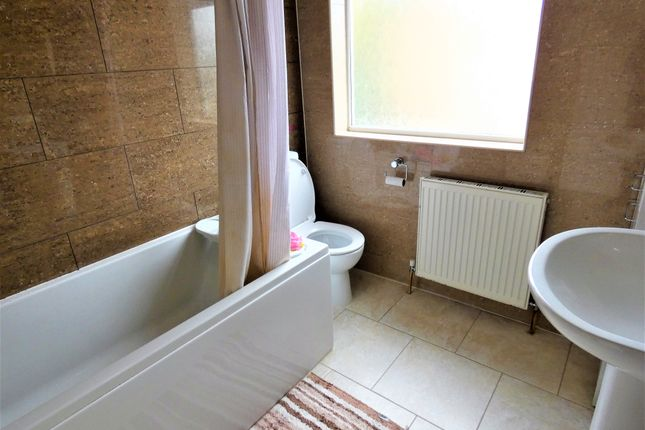 Bathroom of Pauline Avenue, Belgrave, Leicester LE4