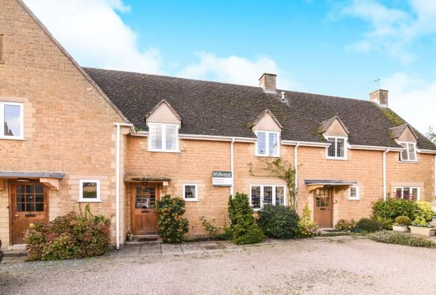 Thumbnail Terraced house for sale in Yewtree Court, High Street, Broadway, Worcestershire