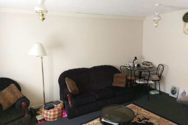 Thumbnail Maisonette for sale in Sorrell Close, Thamesmead
