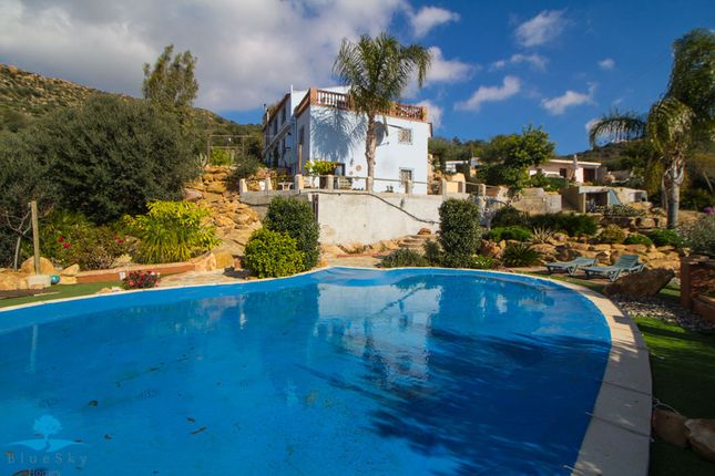 7 bed country house for sale in Alora, Málaga, Spain