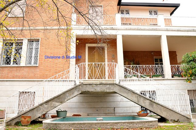 Thumbnail Villa for sale in Villa Roman Walls, Via Odoardo Beccari, Rome City, Rome, Lazio, Italy