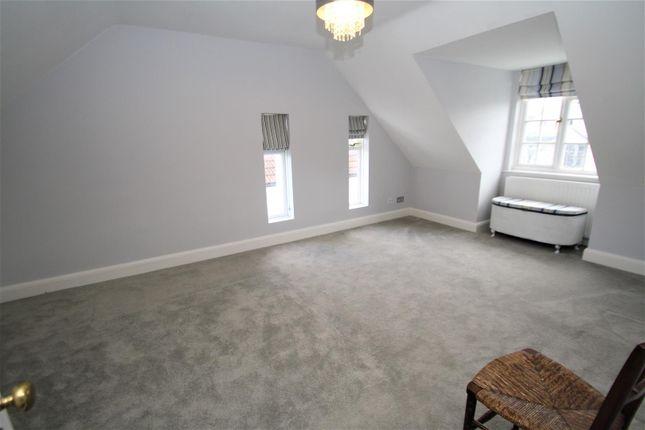 Bedroom5 of Hamboro Gardens, Leigh-On-Sea SS9