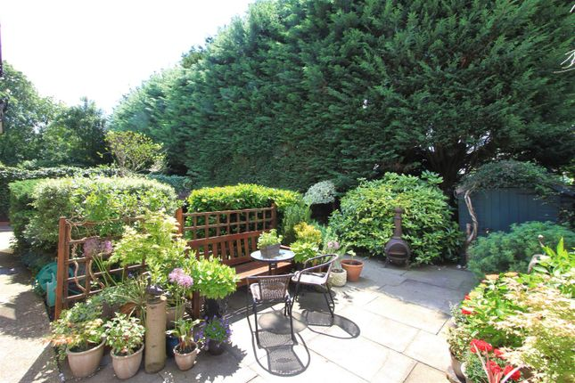 Garden of Abbey Close, Pinner HA5