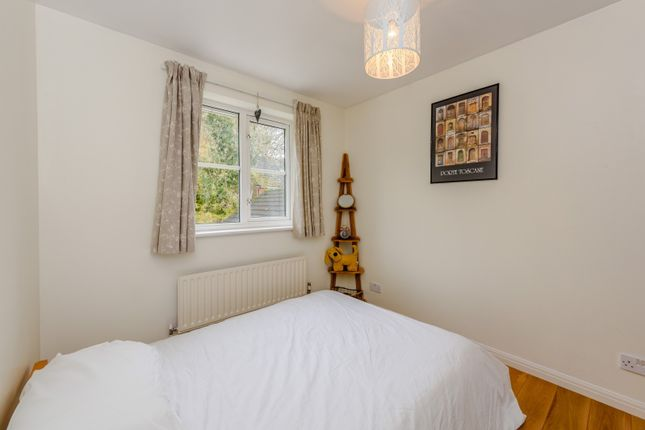 Bedroom of Mallow Crescent, Guildford GU4