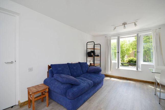 Thumbnail Flat to rent in Gloucester Square, Haggerston