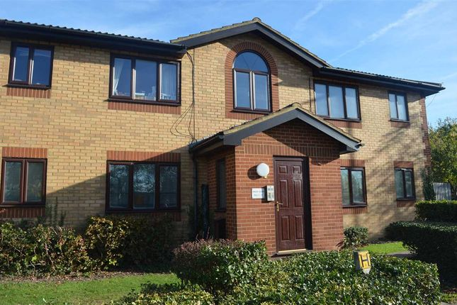 Thumbnail Flat for sale in Oakley Court, Churchill Close, Dartford