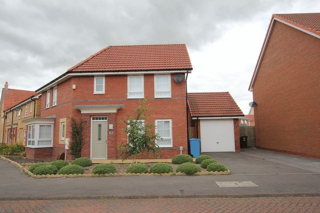 Thumbnail Detached House To Rent In Holland Park Kingswood Hull