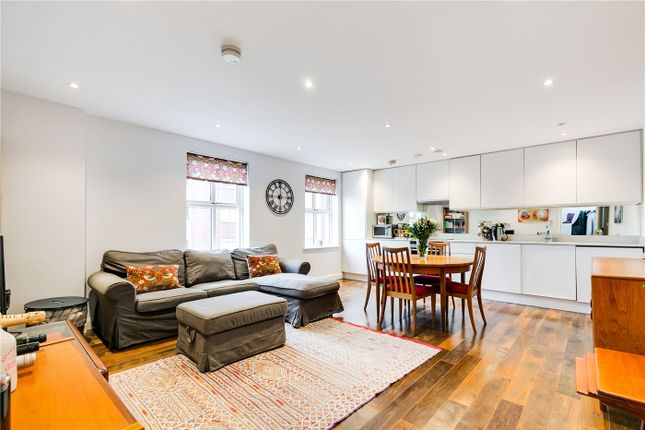 2 bed flat for sale in Greyhound Road, London W6