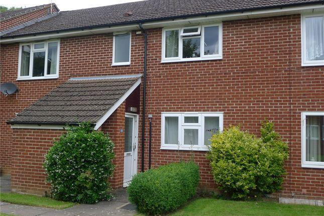Thumbnail Flat to rent in Honor Close, Kidlington, Oxfordshire