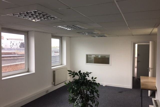 Office to let in Colindale, London
