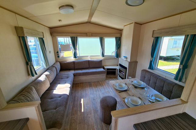 Thumbnail Mobile/park home to rent in Holiday Park, Eastchurch, Sheerness, Kent