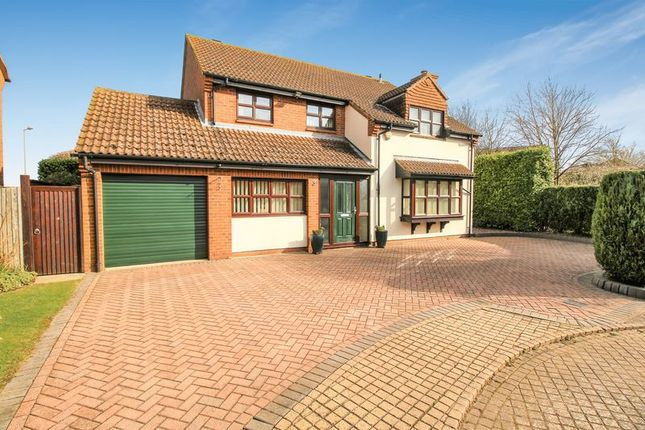 Thumbnail Detached house for sale in Brett Close, Thame