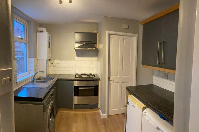 2 bed flat to rent in Balfour Street, Bensham, Gateshead NE8