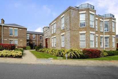 Thumbnail Flat for sale in Princess Park Manor, Friern Barnet, London N11,