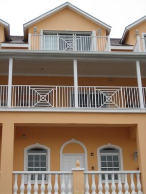 Apartment for sale in Sandyport Drive, Nassau, The Bahamas