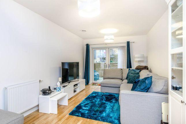 Thumbnail Flat to rent in Lakeside Drive, Park Royal