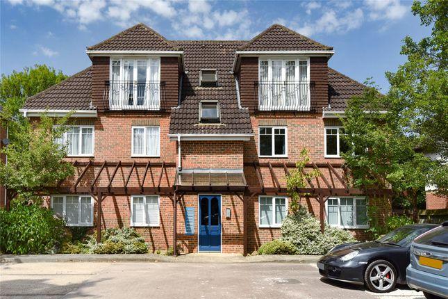 Thumbnail Flat for sale in Yorktown Road, Sandhurst, Berkshire