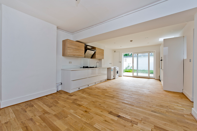 3 bed terraced house for sale in Railway Side, London