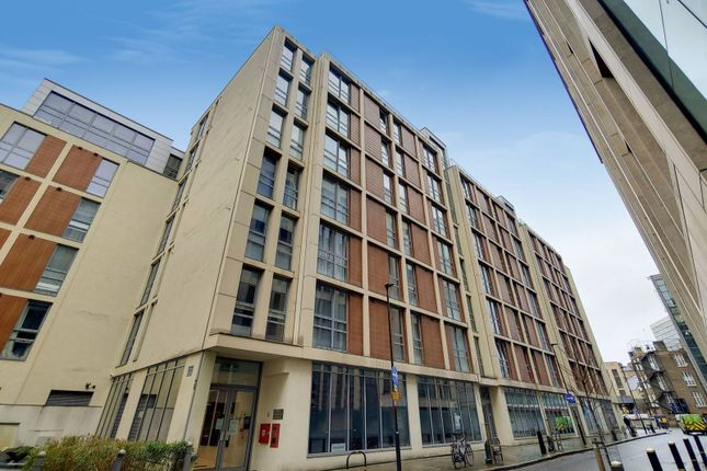 1 bed flat to rent in Lamb's Passage, Old Street, London EC1Y