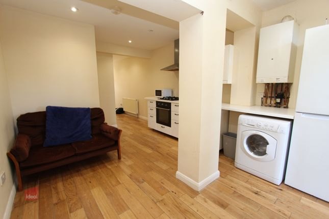 Thumbnail Flat to rent in Valentines Road, Ilford