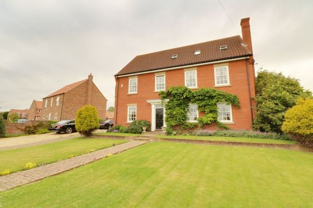 Thumbnail Detached house for sale in Commonside, Crowle, Scunthorpe