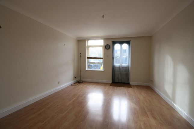 Thumbnail Terraced house to rent in Dockland Street, London