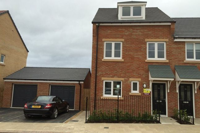 Thumbnail Town house to rent in Kirkfields, Sherburn Hill, Durham
