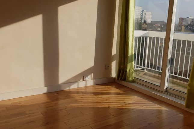 Thumbnail Flat to rent in Gunnersbury Lane, Acton