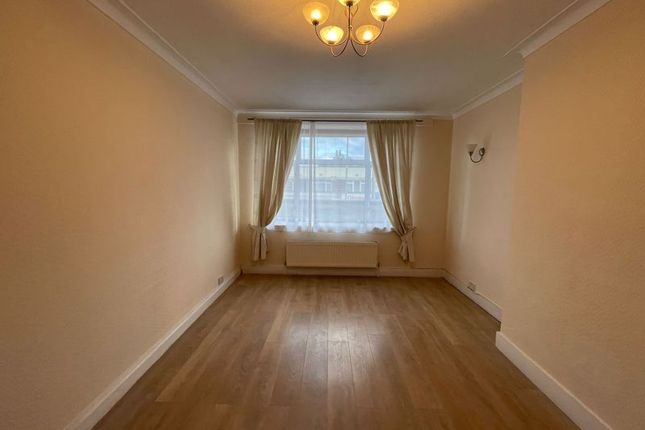 Thumbnail Flat to rent in Silkstream Parade, Watling Avenue, Edgware