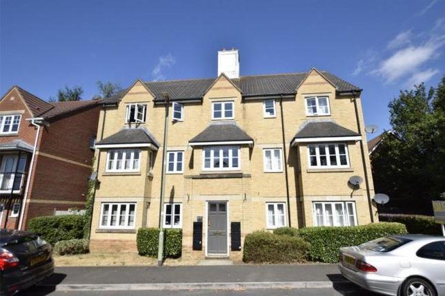 2 bed flat to rent in East Field Close, Headington OX3
