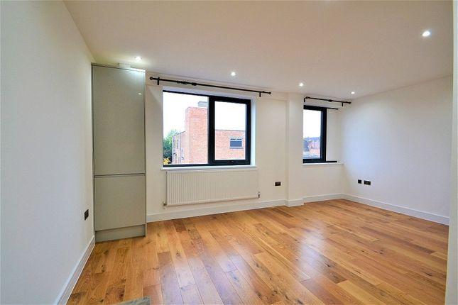 Studio to rent in High Street, Ruislip HA4