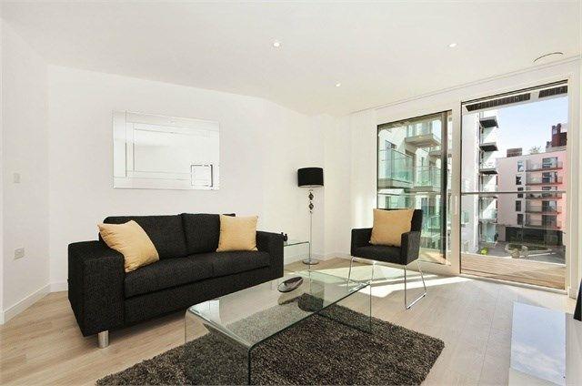 1 bed flat to rent in Tennyson Apartments, Saffron Central Square, Croydon CR0
