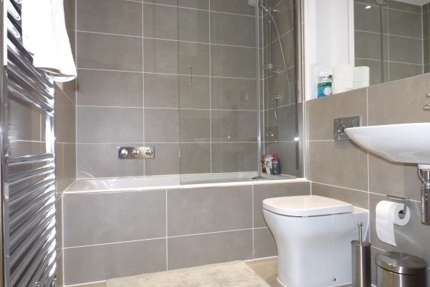 Thumbnail Flat to rent in Heron Way, Maidenhead