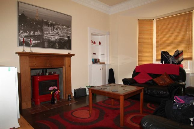 Thumbnail Flat to rent in Top Left Bellefield Avenue, Dundee, Dundee