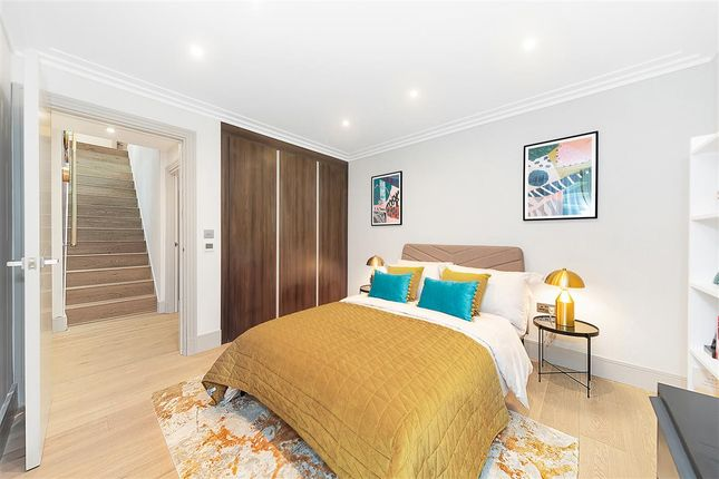 Thumbnail Flat for sale in Elms Road, London