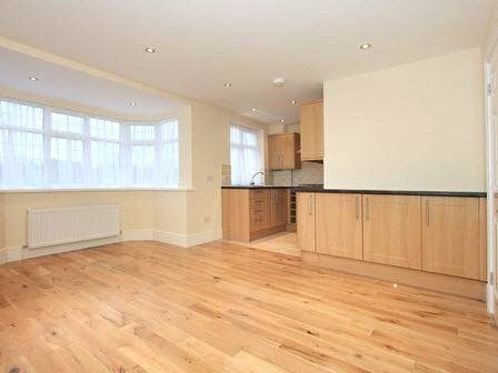 Thumbnail Flat to rent in Hadley Way, Winchmore Hill, London