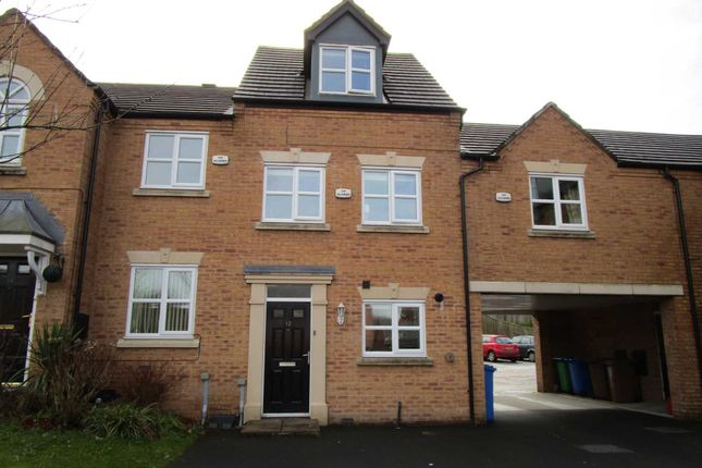 Thumbnail Town house for sale in Heys Close, Milnrow, Rochdale