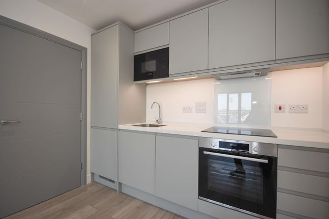 Thumbnail Penthouse to rent in New London Road, Chelmsford