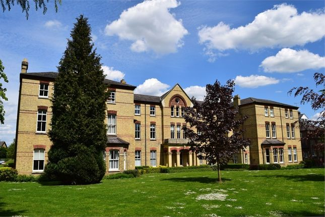 Thumbnail Flat to rent in Leavesden Court, Mallard Road, Abbots Langley, Hertfordshire